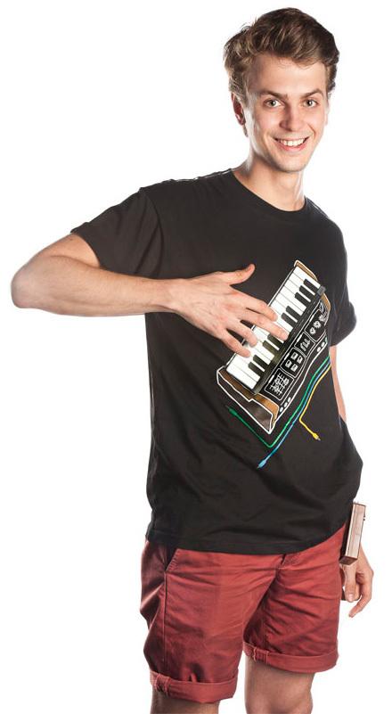 Игру на телефон синтезатор